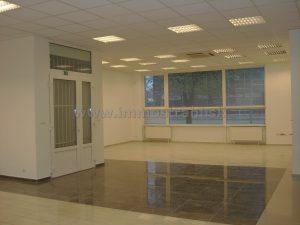 Obchodný priestor s výkladom 180 m2 na prenájom v polyfunkčnom objekte na Gagarinovej ulici