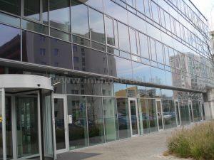 Reprezentatívny obchodný priestor o výmere 17 m2 na prenájom na Jarabinkovej ul. v objekte Bratislava Business Center I PLUS