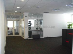 Nadštandardný administratívny priestor 350 m2 na prenájom v polyfunkčnom objekte na Gagarinovej ulici