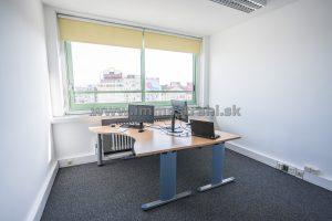 Reprezentatívny kancelársky priestor na prenájom o ploche 261,47 m2 v objekte na Nám.SNP