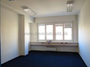 Reprezentatívny administratívny priestor 17,5 m2 a viac na prenájom v budove LUXOR na Štúrovej ulici