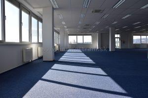 Reprezentatívny kancelársky priestor na prenájom o ploche 500 m2 na Ulici Mokráň záhon v objekte OFFICE BOX