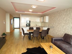 Priestranný 4-izbový byt 196,20 m2 + 2 parkovacie miesta v garáži + sklad na predaj v objekte River Park na Dvořákovom nábreží v Bratislave