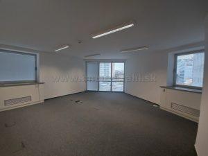 Reprezentatívny kancelársky priestor o výmere 209 m2 na prenájom na Plynárenskej ul. v objekte Bratislava Business Center I